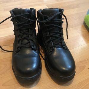 Women's Danner striker 2 GTX black boots